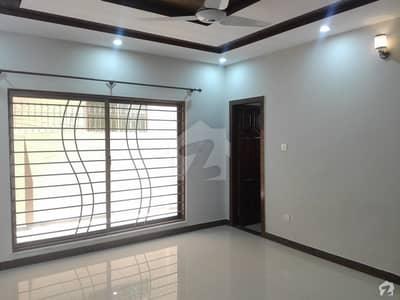 کورنگ ٹاؤن اسلام آباد میں 6 کمروں کا 1 کنال مکان 90 ہزار میں کرایہ پر دستیاب ہے۔