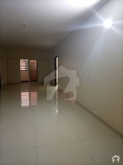 Spacious 2500  Square Feet Flat Available For Sale On Shaheed Millat Road