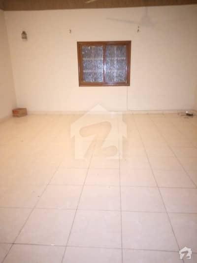 ڈی ایچ اے فیز 1 ڈی ایچ اے کراچی میں 3 کمروں کا 1 کنال بالائی پورشن 54 ہزار میں کرایہ پر دستیاب ہے۔