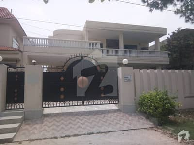 Near To Lums Lalak Jan Chowk Kanal Full House Wiht 4 Beds Ready For Rent