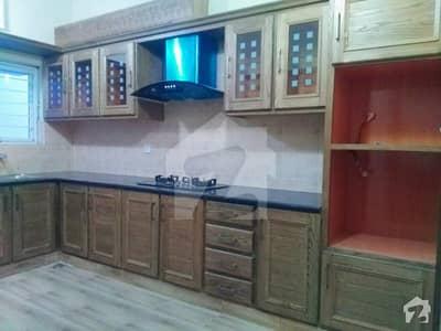 زراج ہاؤسنگ سکیم اسلام آباد میں 4 کمروں کا 10 مرلہ مکان 2.2 کروڑ میں برائے فروخت۔