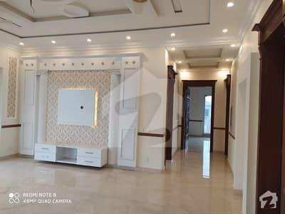 ڈی ایچ اے فیز 7 ڈیفنس (ڈی ایچ اے) لاہور میں 3 کمروں کا 1 کنال بالائی پورشن 65 ہزار میں کرایہ پر دستیاب ہے۔