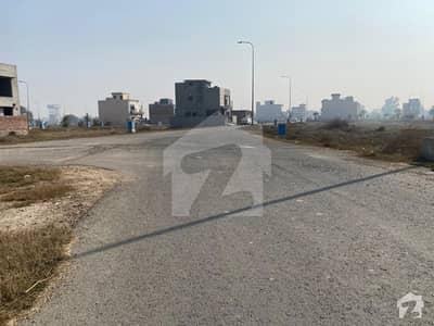Plot No 17 C Block 50 Feet Wide Road No DP No Pole