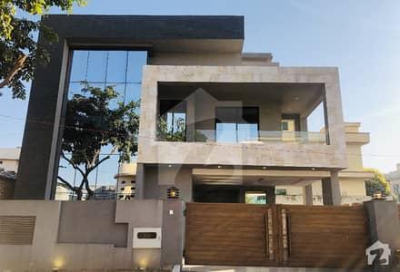بحریہ ٹاؤن فیز 2 ایکسٹینشن بحریہ ٹاؤن راولپنڈی راولپنڈی میں 5 کمروں کا 11 مرلہ مکان 3.1 کروڑ میں برائے فروخت۔