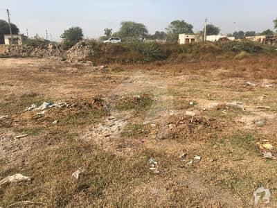 ہارون آباد بہاولنگر روڈ بہاولنگر میں 1 کنال رہائشی پلاٹ 20 لاکھ میں برائے فروخت۔
