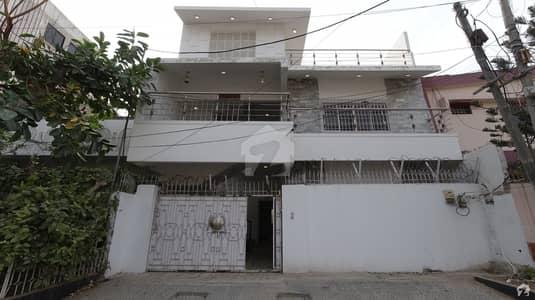 گلشنِ اقبال - بلاک 18 گلشنِ اقبال گلشنِ اقبال ٹاؤن کراچی میں 7 کمروں کا 6 مرلہ مکان 4.5 کروڑ میں برائے فروخت۔