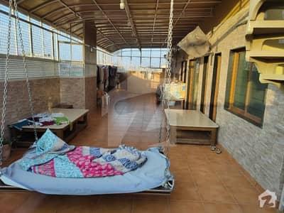 شرف آباد گلشنِ اقبال ٹاؤن کراچی میں 4 کمروں کا 13 مرلہ پینٹ ہاؤس 4.5 کروڑ میں برائے فروخت۔