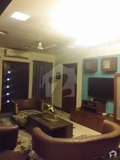 نشاط کمرشل ایریا ڈی ایچ اے فیز 6 ڈی ایچ اے کراچی میں 4 کمروں کا 7 مرلہ فلیٹ 1 لاکھ میں کرایہ پر دستیاب ہے۔