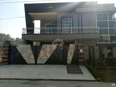 1 Kanal House Available In DC Colony For Sale