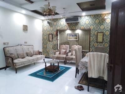 بحریہ ٹاؤن اوورسیز انکلیو بحریہ ٹاؤن لاہور میں 5 کمروں کا 10 مرلہ مکان 1.9 کروڑ میں برائے فروخت۔