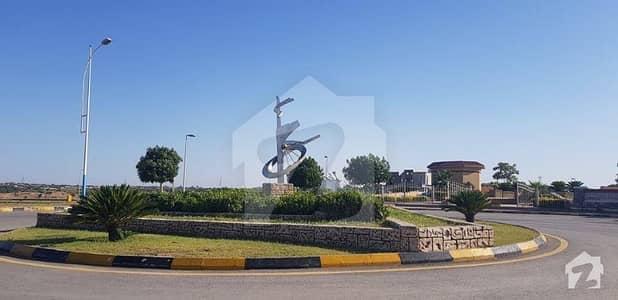 ڈی ایچ اے فیز 5 - سیکٹر سی ڈی ایچ اے ڈیفینس فیز 5 ڈی ایچ اے ڈیفینس اسلام آباد میں 6 مرلہ کمرشل پلاٹ 2.7 کروڑ میں برائے فروخت۔