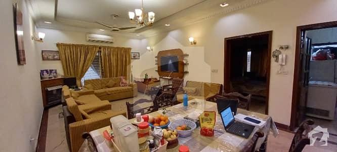 ڈی ایچ اے فیز 5 ڈیفنس (ڈی ایچ اے) لاہور میں 4 کمروں کا 10 مرلہ مکان 1.4 لاکھ میں کرایہ پر دستیاب ہے۔