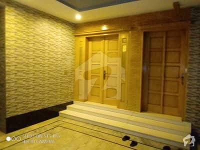 بحریہ ٹاؤن ۔ سفاری ولاز بحریہ ٹاؤن راولپنڈی راولپنڈی میں 4 کمروں کا 14 مرلہ مکان 2.35 کروڑ میں برائے فروخت۔