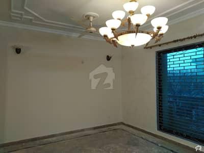 آئی ۔ 8 اسلام آباد میں 4 کمروں کا 14 مرلہ مکان 1.3 لاکھ میں کرایہ پر دستیاب ہے۔