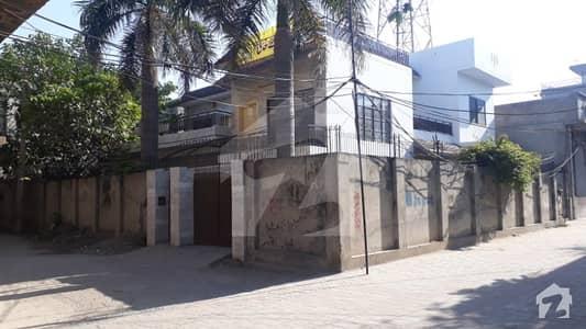 ماڈل ٹاؤن ڈسکہ میں 6 کمروں کا 13 مرلہ مکان 60 ہزار میں کرایہ پر دستیاب ہے۔
