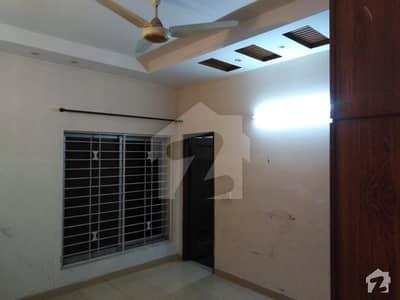 نشیمنِ اقبال فیز 2 - بلاک اے نشیمنِ اقبال فیز 2 نشیمنِ اقبال لاہور میں 3 کمروں کا 10 مرلہ مکان 1.25 کروڑ میں برائے فروخت۔