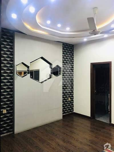 1 Kanal New Tile Floor Double Storey House 6 Bedroom 2 Kitchens Big Car Porch