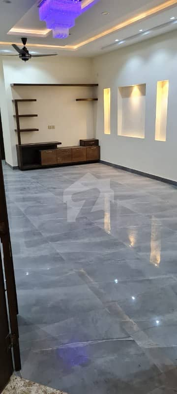 14 Marla Upper Portion For Rent In Lake City Sector M1