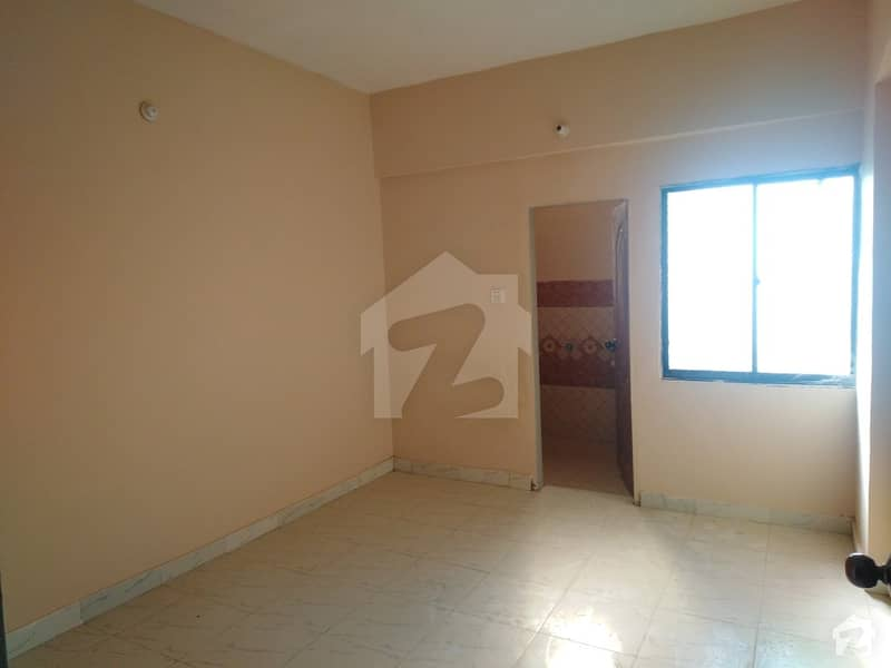 768 Square Feet Flat Is Available For Sale In Latifabad