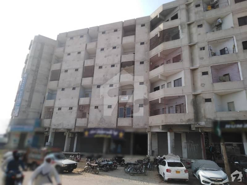 1533  Square Feet Flat Is Available For Sale In Latifabad