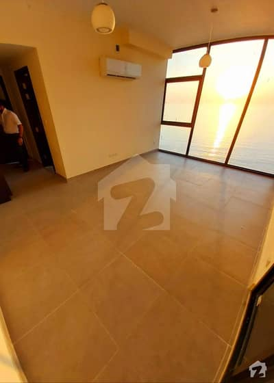 3 Bed  Sea Facing Emaar With Maid Room Flat For Sale
