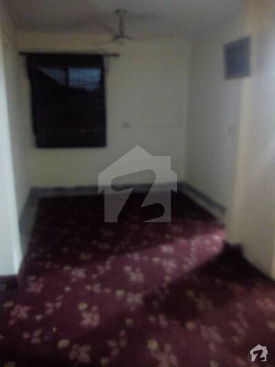 200  Square Feet Room In Model Town For Rent