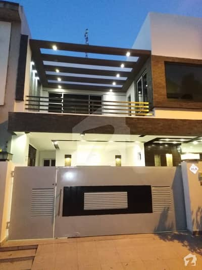 9MARLA PROPER DOUBLE UNIT BRAND NEW HOUSE FOR RENT in  DHA Phase5  Syed offer Offer Top Class Design Villa