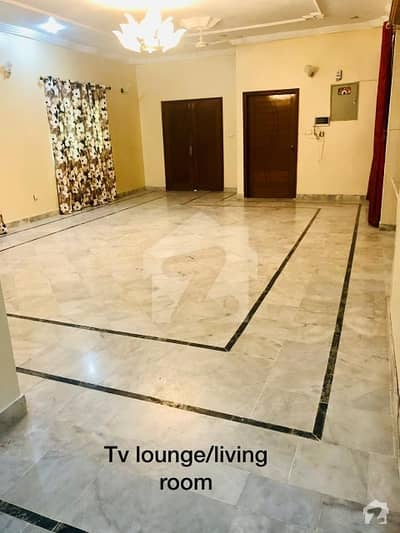 3 Bed 400  Sq Yards Ground Floor Portion For Rent