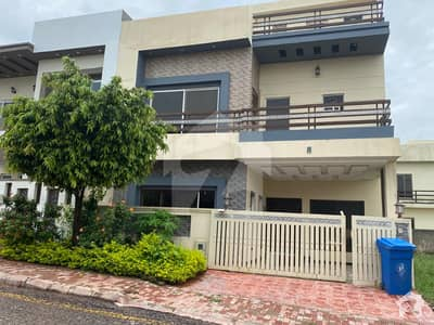 Stunning Villa For Sale At Hot Location In Bahria Enclave