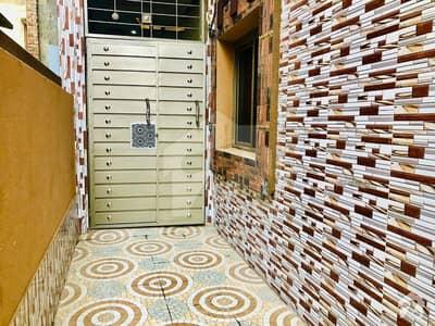 سمن آباد لاہور میں 4 کمروں کا 3 مرلہ مکان 30 ہزار میں کرایہ پر دستیاب ہے۔
