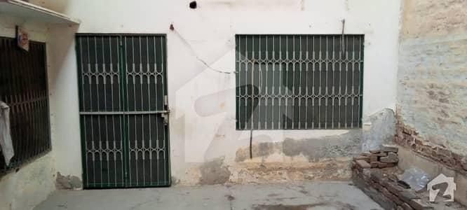 نعمت کالونی نمبر 1 فیصل آباد میں 4 کمروں کا 9 مرلہ مکان 1.2 کروڑ میں برائے فروخت۔