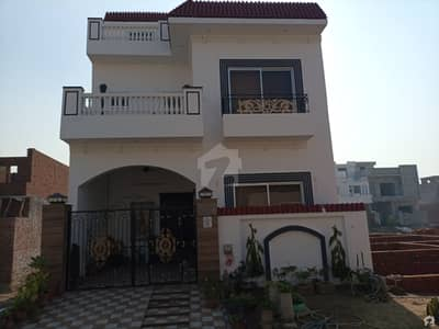5 Marla Spacious House Available In DC Colony For Sale