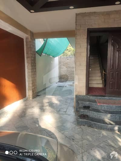 جی ۔ 6 اسلام آباد میں 9 کمروں کا 1.33 کنال مکان 3 لاکھ میں کرایہ پر دستیاب ہے۔