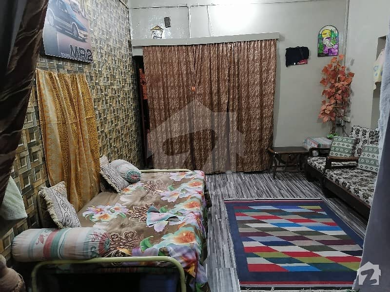 پی آئی بی کالونی کراچی میں 2 کمروں کا 4 مرلہ فلیٹ 56 لاکھ میں برائے فروخت۔