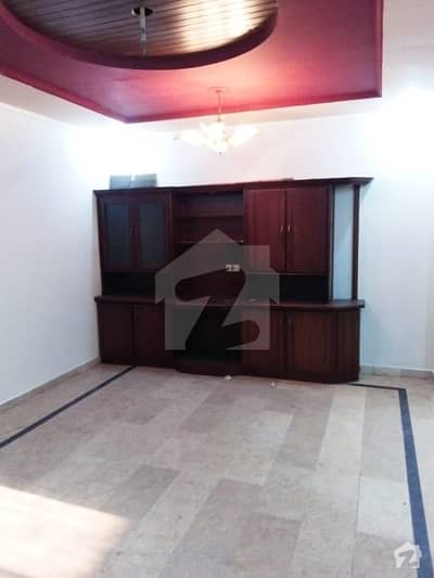10 Marla Upper Portion In Model Town Ext