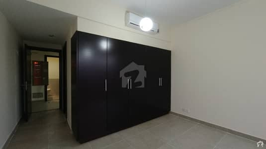 2200 Square Feet Flat In DHA Defence Is Available