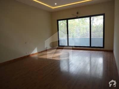ایف ۔ 7 اسلام آباد میں 7 کمروں کا 2.4 کنال مکان 28 کروڑ میں برائے فروخت۔