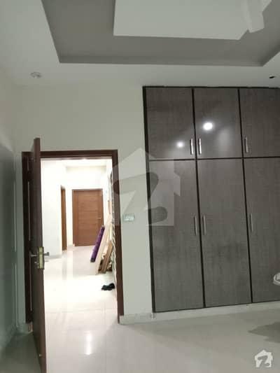 ڈی ایچ اے فیز 8 سابقہ ایئر ایوینیو ڈی ایچ اے فیز 8 ڈی ایچ اے ڈیفینس لاہور میں 3 کمروں کا 10 مرلہ بالائی پورشن 35 ہزار میں کرایہ پر دستیاب ہے۔