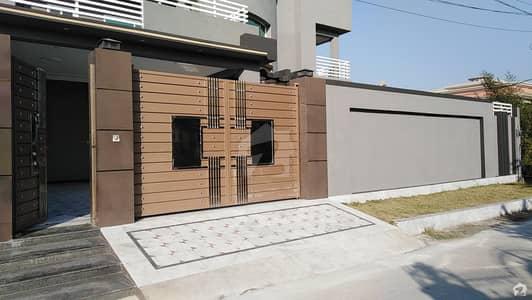 حیات آباد فیز 7 - ای6 حیات آباد فیز 7 حیات آباد پشاور میں 12 کمروں کا 1 کنال مکان 7.5 کروڑ میں برائے فروخت۔