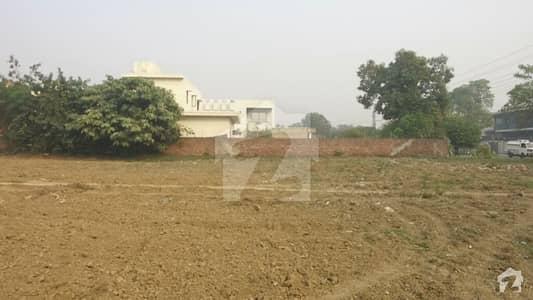 ڈی ایچ اے فیز 3 - بلاک وائے فیز 3 ڈیفنس (ڈی ایچ اے) لاہور میں 6 کنال رہائشی پلاٹ 45 کروڑ میں برائے فروخت۔