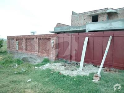 ڈی ایچ اے فیز 7 - بلاک ایکس فیز 7 ڈیفنس (ڈی ایچ اے) لاہور میں 4 کمروں کا 1 کنال مکان 2.8 کروڑ میں برائے فروخت۔