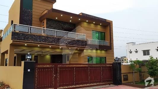 بحریہ ٹاؤن فیز 8 ۔ عثمان بلاک بحریہ ٹاؤن فیز 8 ۔ سفاری ویلی بحریہ ٹاؤن فیز 8 بحریہ ٹاؤن راولپنڈی راولپنڈی میں 7 کمروں کا 1 کنال مکان 3.9 کروڑ میں برائے فروخت۔