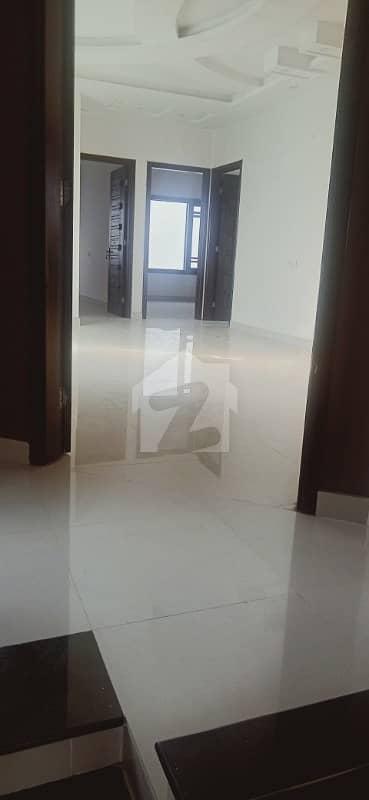 ڈی ایچ اے فیز 6 ڈی ایچ اے کراچی میں 4 کمروں کا 10 مرلہ مکان 4.95 کروڑ میں برائے فروخت۔