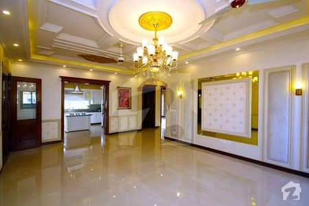 Most Elegantly Made 1 Kanal House Available For Sale Easy Access To Ring Road