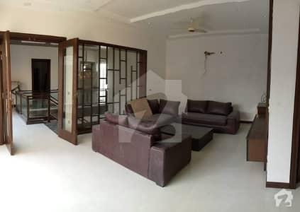 ڈی ایچ اے فیز 5 - بلاک ای فیز 5 ڈیفنس (ڈی ایچ اے) لاہور میں 5 کمروں کا 1 کنال مکان 3.5 لاکھ میں کرایہ پر دستیاب ہے۔