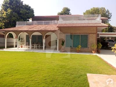 Business Communicator Presents Beautiful House For Sale On Prime Location Of F8