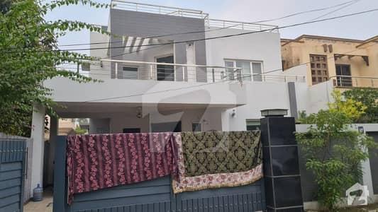 کینٹ لاہور میں 4 کمروں کا 16 مرلہ مکان 6.5 کروڑ میں برائے فروخت۔