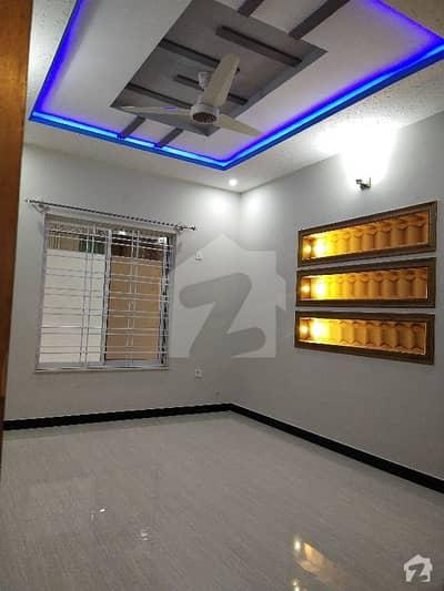جی ۔ 13 اسلام آباد میں 7 کمروں کا 8 مرلہ مکان 1 لاکھ میں کرایہ پر دستیاب ہے۔