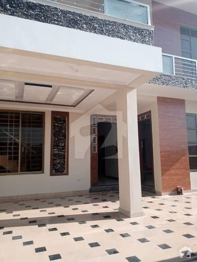 2700  Square Feet House Available For Rent In Cbr Town