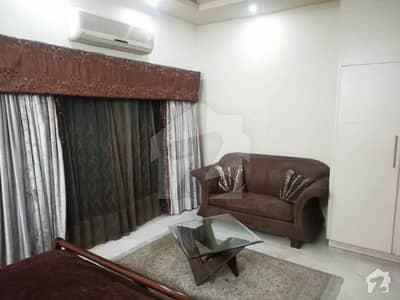 شامی روڈ کینٹ لاہور میں 2 کمروں کا 7 مرلہ مکان 1.2 لاکھ میں کرایہ پر دستیاب ہے۔